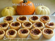 Mini Pecan Tarts This is a repost of one of my favorite fall recipes. They have a flaky, cream cheese crust, a dark buttery, Sweet Desserts, Just Desserts, Delicious Desserts, Yummy Food, Fall Desserts, Yummy Snacks, Yummy Treats, Pie Dessert, Dessert Recipes