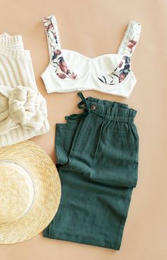 Enjoy the green ☝🏻  Teen Fashion Outfits, Girly Outfits, Cute Casual Outfits, Chic Outfits, Spring Outfits, Womens Fashion, Look Cool, Dress To Impress, Stylish