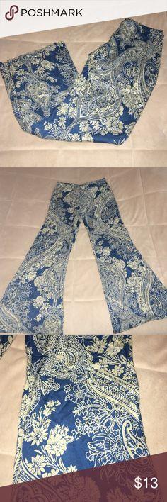 Billabong loose beach pants! Billabong beach pants with fun design! These pants are super loose and Super thin material Billabong Pants