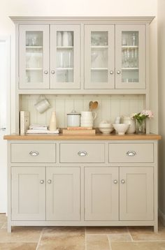 This beautiful glazed dresser is from the deVOL Real Shaker Kitchen Range. All o… This beautiful glazed dresser is from the deVOL Real Shaker Kitchen Range. All of deVOLs furniture is hand-made and hand-painted here in Leicester in the UK. Painting Kitchen Cabinets, Kitchen Paint, New Kitchen, Kitchen Decor, Kitchen Ideas, Kitchen Buffet Cabinet, Dining Room Hutch, Cream Kitchen Cupboards, Cream Shaker Kitchen