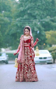 Weddig Bridal Lehenga - Bride in Amazing Marsala Saree Gown. More information on WeddingNet Wedding Lehnga, Indian Bridal Lehenga, Indian Bridal Outfits, Indian Bridal Wear, Desi Wedding, Indian Dresses, Indian Wedding Pictures, Dulhan Dress, Red Lehenga