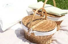 California Bakery Picnic | Baskets and blankets