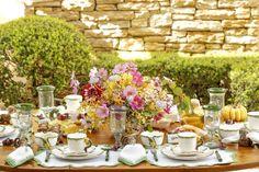 Como é bom começar bem o dia com uma mesa de café da manhã montada no jardim de casa entre [...]