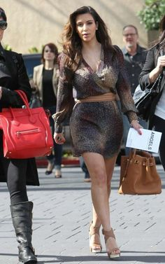 Kim Kardashian Fashion and Style - Kim Kardashian Dress, Clothes, Hairstyle - Page 23 Kim Kardashian Joven, Meme Kim Kardashian, Kim Kardashian Ponytail, Young Kim Kardashian, Kim Kardashian Closet, Kim Kardashian Blazer, Kim Kardashian Eyebrows, Kim Kardashian Before, Looks Kim Kardashian