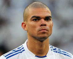 Skuad Manchester United Tengah Membujuk Pepe Untuk Gabung - Bek Real Madrid, Pepe