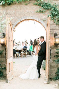 Adorable moment: http://www.stylemepretty.com/2015/12/29/al-fresco-catalina-view-gardens-wedding/ | Photography: Troy Grover - http://blog.troygrover.com/