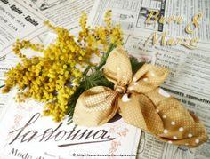 Festa delle Donne: il bouquet di mimose confezionato con un foulard