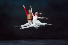 Emma Maguire and Alexander Campbell in The Royal Ballet's Nutcracker © ROH/Bill Cooper, 2012