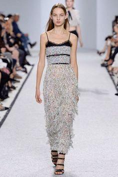 Giambattista Valli Spring/Summer 2017 Ready-To-Wear Collection | British Vogue