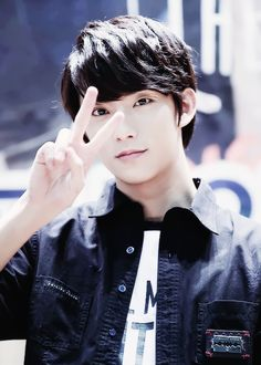 Gongchan you'll always be one of my biases even though we're 9 years apart and BTS is here. || sxmmie*