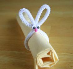 ideen osterdeko tisch serviettenhalter hase pfeifenreiniger