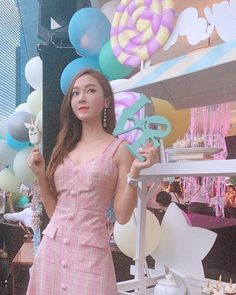 In Singapore, is in the air🦄🍭💕 Jessica & Krystal, Jessica Jung, Krystal Jung, Kim Hyoyeon, Sooyoung, Yoona, Tiffany Snsd, Exo Red Velvet, Ex Girl