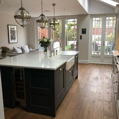 Modern Kitchen Interior Remodeling Everyday I love my kitchen more than the day before. Home Kitchens, Modern Kitchen Interiors, Luxury Kitchens, Living Room Kitchen, Design My Kitchen, Kitchen Flooring, Kitchen Interior, Victorian Kitchen, Modern Kitchen Design