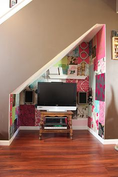 Designers Guild Wallpaper Niche, Vintage, Modern, stair niche, interior Design