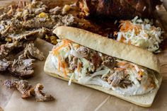 Sandwich με πανσέτα και coleslaw | Άκης Πετρετζίκης