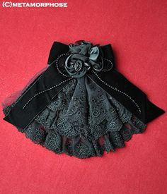 Metamorphose Lace Jabot Brooch with Rose