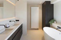 Woning VV   AP/ART Architecten Bathroom Inspo, Bathroom Inspiration, Minimal Bathroom, Bathroom Toilets, Beautiful Bathrooms, Sweet Home, New Homes, Ap Art, Interior