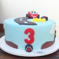 Cars Cake LightMacqueen
