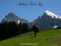 In Italy, wherever you go, there are and an Joy From Italy www. for UK and other countries www. for DE and AT only Italian Food Near Me, Living In Europe, Southern Italy, Fruit In Season, Fine Dining, Tuscany, Italian Recipes, Beautiful Places, Joy