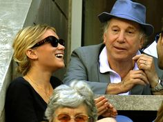 Oh is this picture of Ashley and Paul Simon is so close to being a photo of my two favorite people in the world! Where is MK?