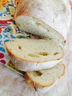 Numa casa portuguesa nunca pode faltar pão, sobretudo para o pequeno-almoço, mas acabei por me atrasar com as mil e uma coisas que queria fa...