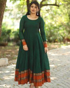 Designer Anarkali Dresses, Designer Party Wear Dresses, Kurti Designs Party Wear, Simple Blouse Designs, Stylish Dress Designs, Designs For Dresses, Stylish Dresses For Girls, Frocks For Girls, Indian Gowns Dresses