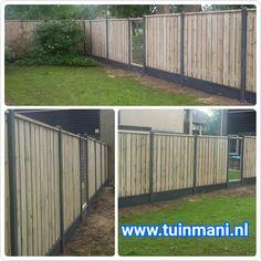 Een solide schutting - erfafscheiding - afscheiding , met als basis de beton palen en onderplaten , tuinschermen van geimpregneerd hout, gaaselementen en piramide afdeklatten. Dit alles gecombineerd rotsmotief onderplaten. Een mooie onderbreking van het hout. Geplaatst door en verkrijgbaar bij #tuinmani @Tuinmani www.tuinmani.nl