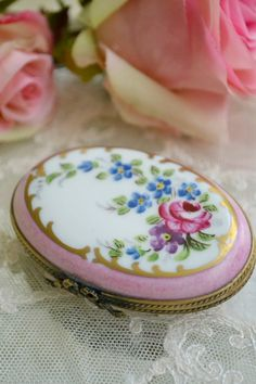 Stunning Vintage Oval Hand-Painted Limoges Box
