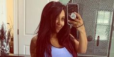 """The 'Jersey Shore' cast were """"surprised"""" when they found out Nicole 'Snooki' Polizzi had quit the show. Mtv Music, Cmt Music Awards, Tv Awards, Mtv Video Music Award, Snooki And Jwoww, Nicole Snooki, Gym Plans, Punch In The Face, Away From Her"""