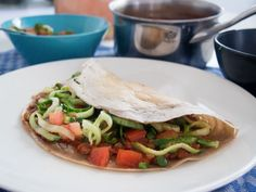 GLUT Injera-leipä teff-jauhoista via aitoaarkiruokaa. Pancakes And Waffles, No Bake Desserts, Crepes, Sandwiches, Tacos, Bread, Baking, Ethnic Recipes, Food