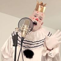 """BRILLIANT or CREEPY: Puddles the Sad Clown Sings """"Royals"""" [WATCH]   Read more: http://www.elvisduran.com/articles/what-we-talked-about-136656/brilliant-or-creepy-puddles-the-sad-11818145/#ixzz2kRfiuaXg"""