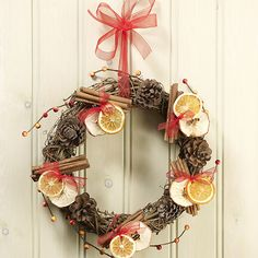 Natural Twig Wreath with orange, apple and cinnamon... just lovely =)