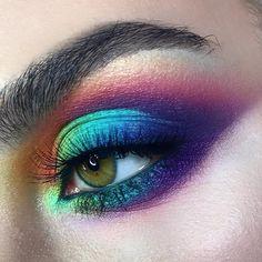 Likes, 80 Comments - Maria Lihacheva ApropoMakeup ( on Insta. Goth Makeup, Dark Makeup, Makeup Art, Makeup Goals, Makeup Inspo, Makeup Inspiration, Colorful Eye Makeup, Makeup For Green Eyes, Make Up Tutorials