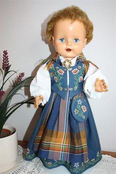 dukkehobby.com old Norwegian Anne doll.