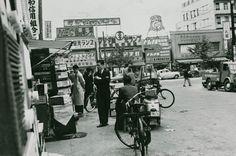 秋葉原駅より中央通り方面。戦後の雰囲気。(1956)