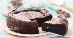 La torta sublime al cioccolato è una golosità unica, è cremosissima, morbida e si prepara in pochi minuti con 5 ingredienti senza farina e senza lievito, è la più buona del mondo!