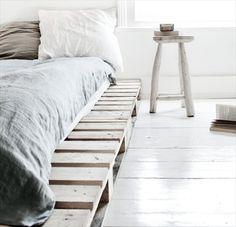 Cadre de lit simple et facile à faire avec des palettes