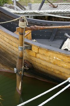 Model Sailing Ships, Model Ships, Viking Ship, Viking Age, Fly Fishing Boats, Viking Longship, Nordic Vikings, Viking Culture, Wooden Boat Building