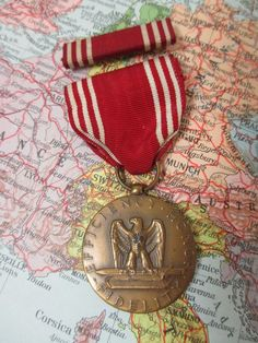 Vintage US Army WWII Good Conduct Medal And Ribbon Bar Efficiency Honor…