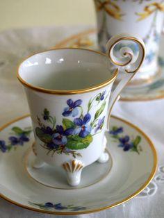 ドレスデンのチョコレートカップ♪ : アンティークな小物たち ~My Precious Antiques~