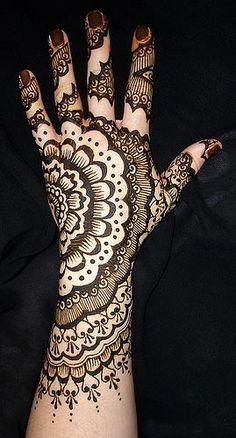 Mehndi / Henna Designs For Hands