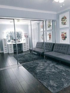 Super Home Studio Makeup Beauty Room Ideas Room Ideas Bedroom, Bedroom Decor, Decor Room, Makeup Studio Decor, Funky Home Decor, Glam Room, Makeup Rooms, Beauty Room, Dream Rooms