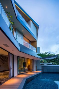 Green Residence in Singapore Grows Grass on Every Level - http://freshome.com/green-residence-singapore-grows-grass/