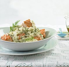 Dill-Risotto mit Lachs ESSEN & TRINKEN Dill-Risotto mit Lachs Rezept The post Dill-Risotto mit Lachs appeared first on Suppen Rezepte. Chicken Recipes Dairy Free, Easy Pasta Recipes, Healthy Chicken Recipes, Salmon Recipes, Crockpot Recipes, Delicious Vegan Recipes, Healthy Dessert Recipes, Raw Food Recipes, Desserts