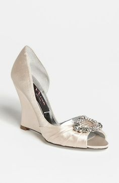 Nina 'Ellyna' Pump | Nordstrom to go with http://brideinvintage.com/home/8-dahlia-peach-wedding-dress.html
