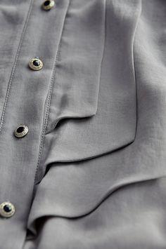 Top en mousseline grise chemisier chemise en mousseline de