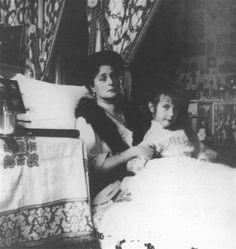 Tsarina Alexandra and Anastasia