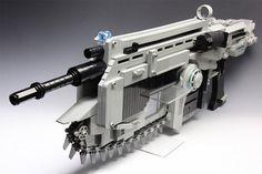 The Real Gears Of War Lancer Assault Rifle (Rubber Band Gun) | RealityPod | Top 10, Gadgets, Technology & Robotics Hub