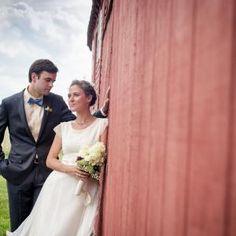 Barn Wedding Photography | rusticweddingguide.com