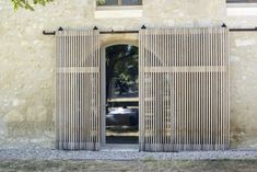 Les Baux de Provence Sliding Doors by LSL Architects